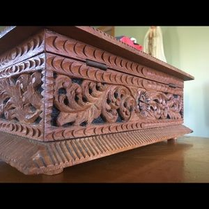 Wood hand carved jewelry box